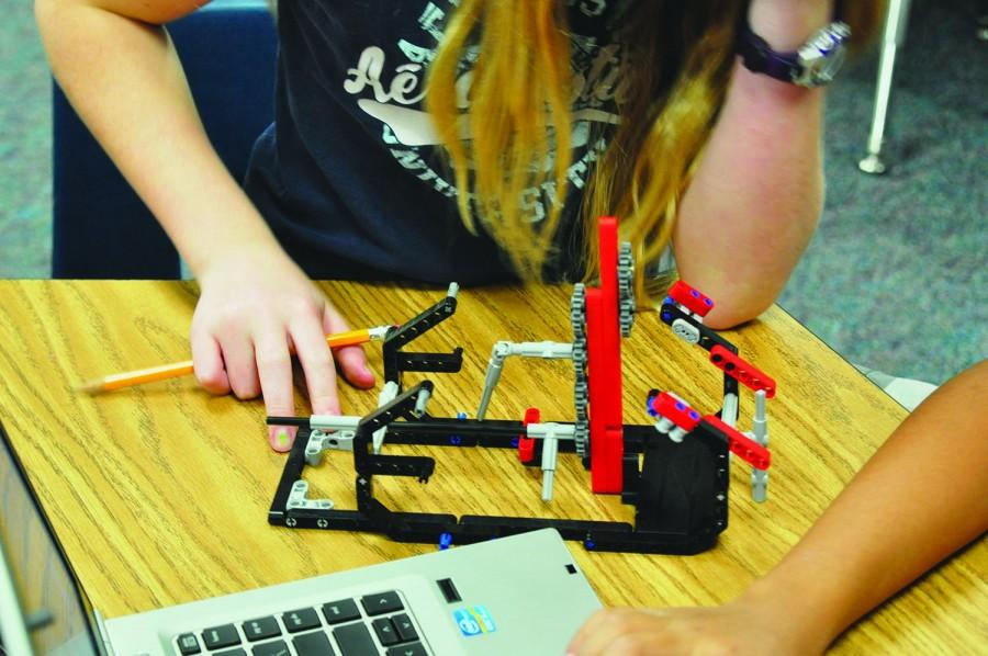 Students+at+Lemm+Elementary+participating+in+FLL+are+assigned+a+problem+and+have+to+think+of+an+innovative+way+to+solve+it+using+a+Lego+robot.+