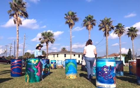 Environmental Club Eliminates Trash at Galveston