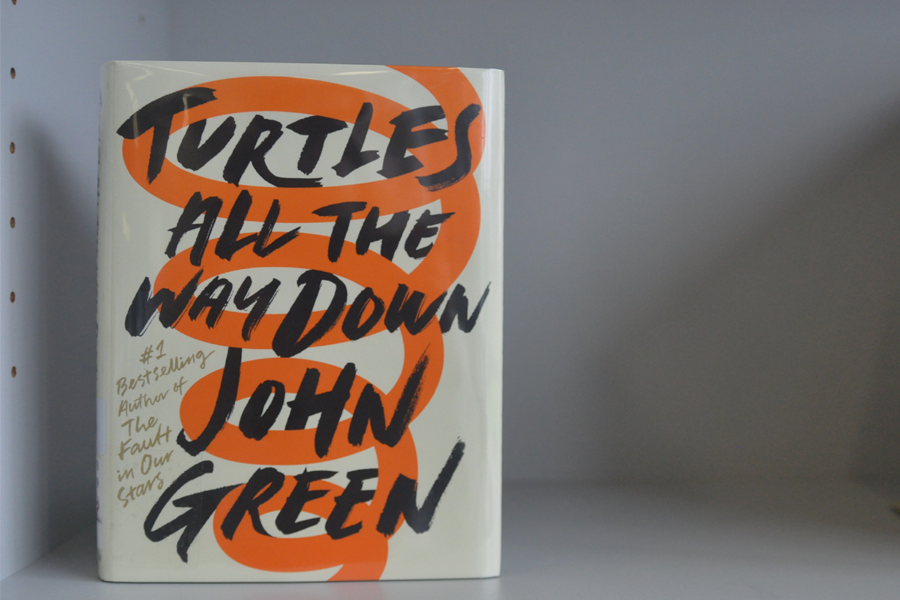 Award+Winning+author%2C+John+Green%2C+published+a+new+book+titled+%E2%80%9CTurtles+All+the+Way+Down%E2%80%9D+after+taking+a+four-year+break+from+writing.+