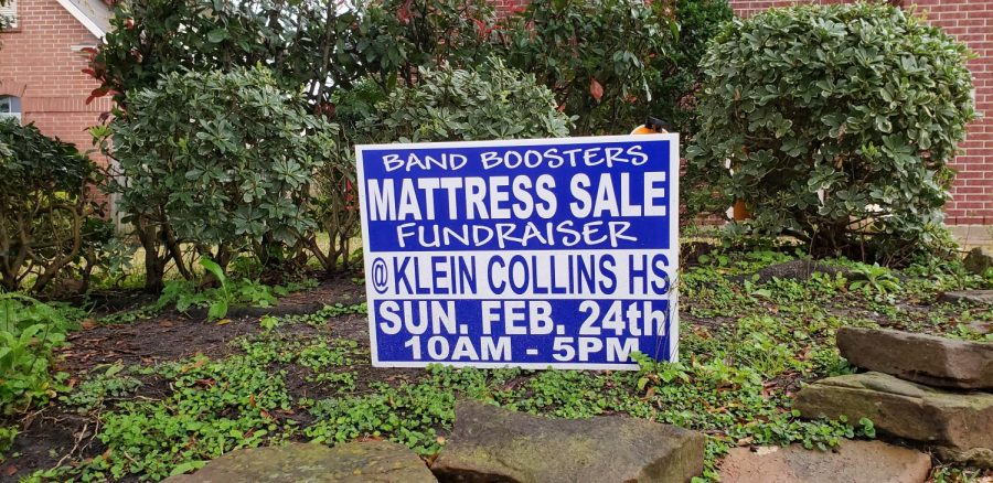 A+sign+of+the+upcoming+mattress+sale+on+Feb.+24.