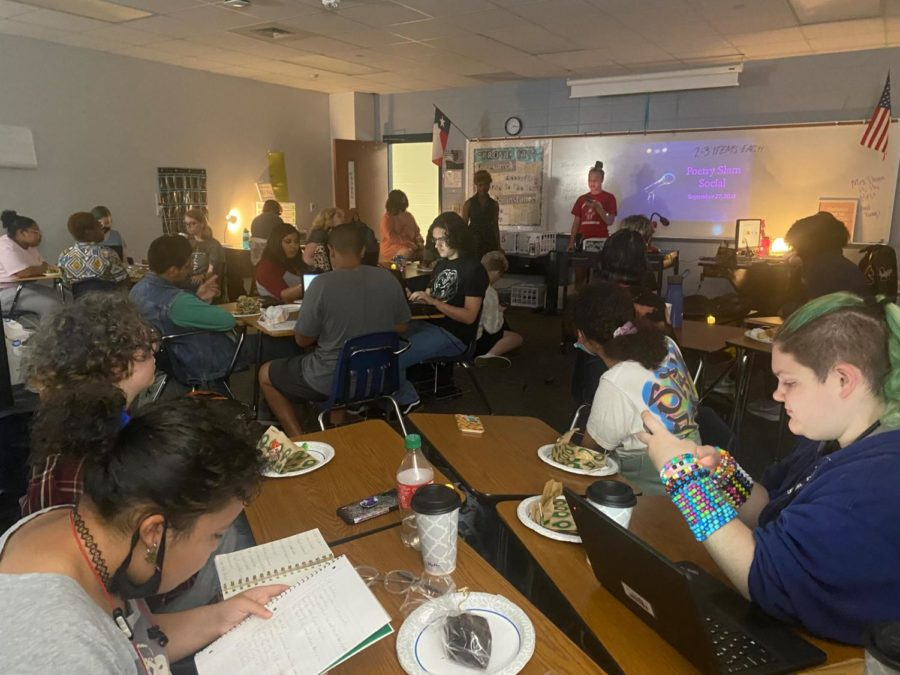 (Photo of the Day 10/4/21) Klein Collins creative writing club poetry slam.